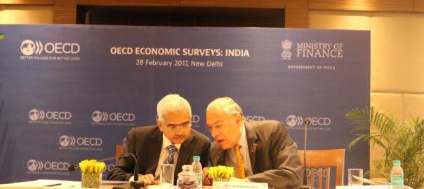 India's Secretary Economic Affairs Shaktikanta Das and OECD Secretary-General Angel Gurría in a Press Conference in New Delhi in March 2017