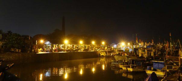 Boats at Sassoon docks in Mumbai, India. Sassoon Docks is one of the oldest docks in Mumbai