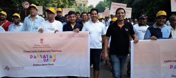 Civilians in Kolkata organised a heritage walk to promote tourism