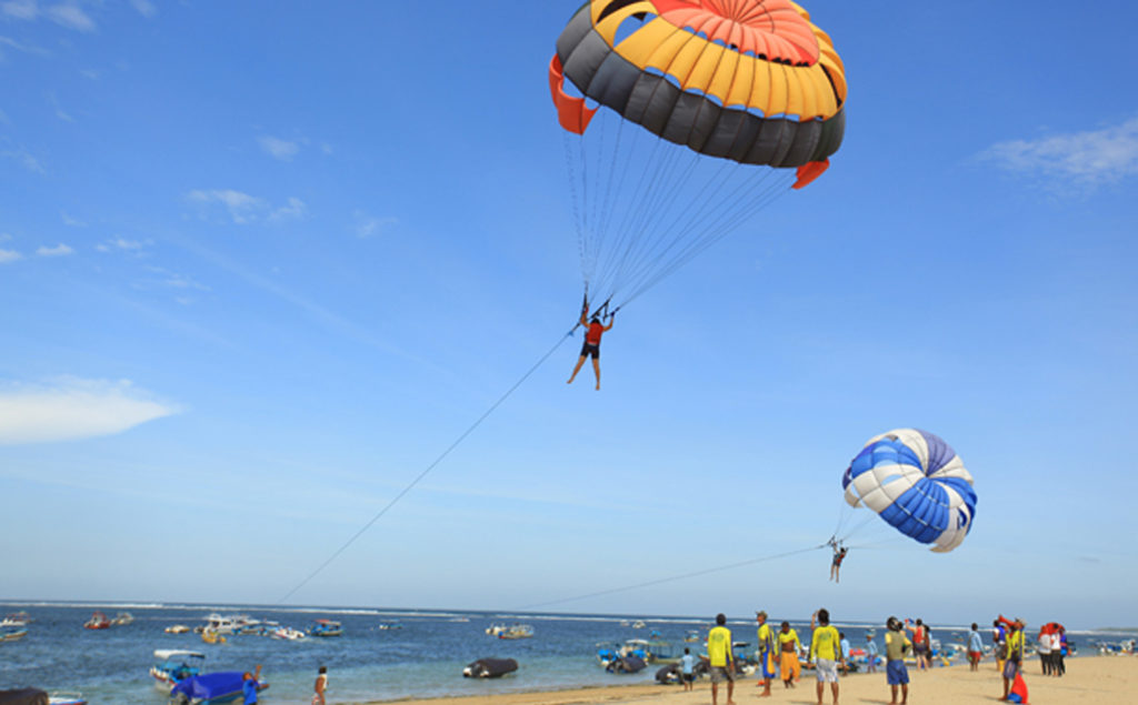 Goa is famous for its paragliding sprees