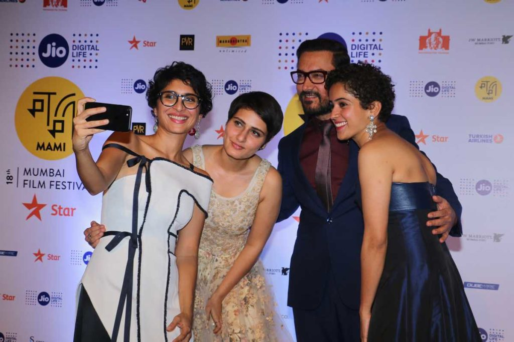 Kiran Rao, Amir Khan and the 'Dangal' girls Fatima Sana Shaikh and Sanya Malhotra pose for a selfie at the Jio MAMI Film Festival