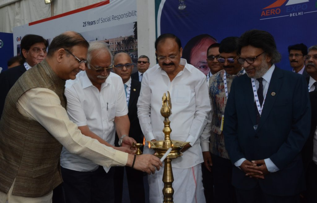 l-r-mr-jayant-sinha-mr-ashok-gajapati-raju-mr-venkaiah-naidu-with-anil-khaitan-pressident-phdcci-lighting-lamp-to-inaugurate-2nd-aero-expo-2017
