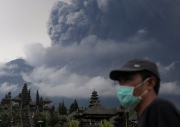 Help reaching Indians in Bali as volcano alert rises