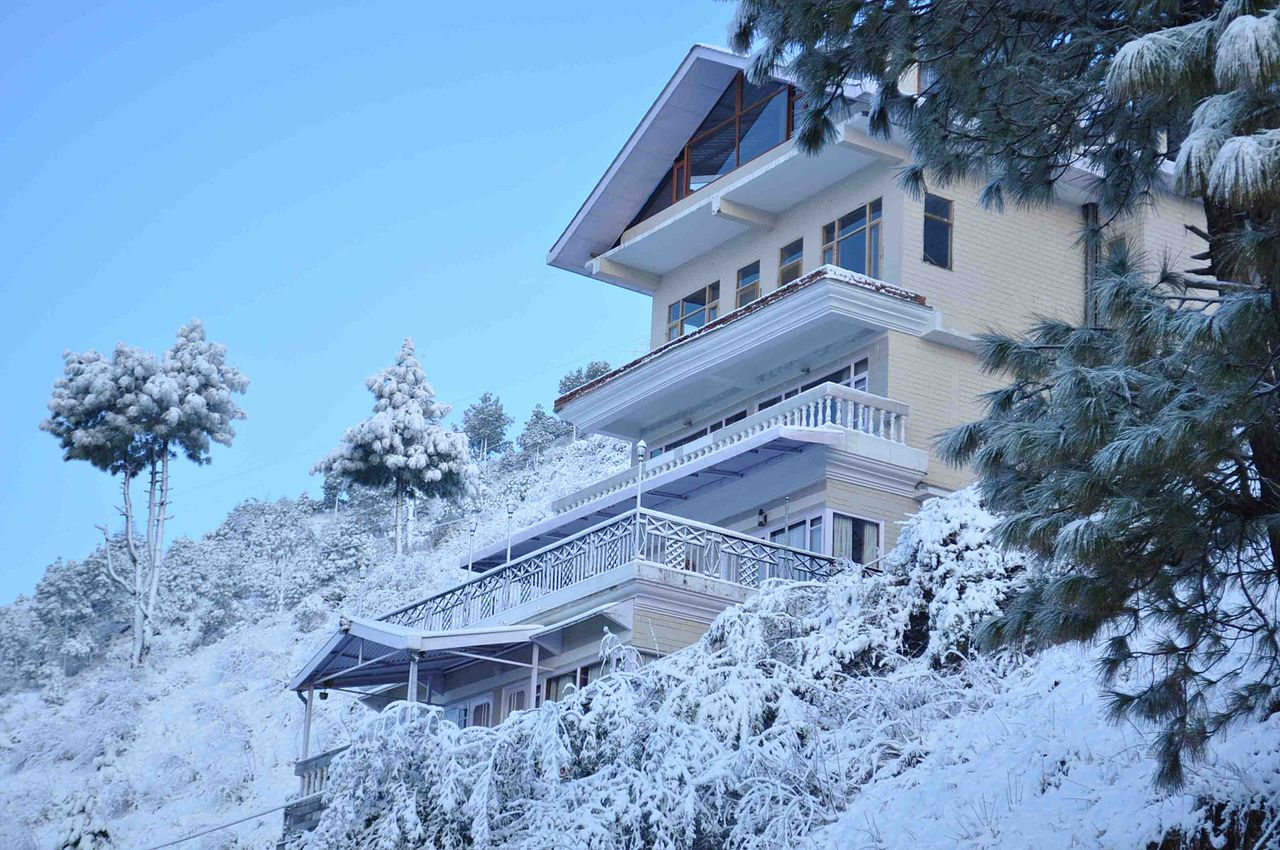 1280px-veer_garh_in_winter_a_homestay_on_the_himachali_countryside_near_shimla