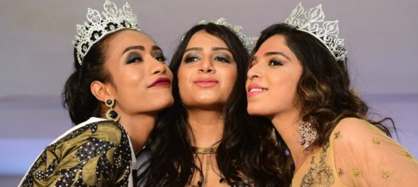 Nitasha (centre) flanked by the first and second runners up