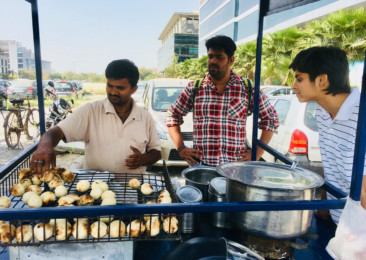 Indulge in street food culture of Delhi