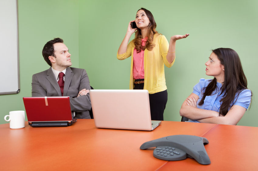 Do not indulge in personal calls while in a meeting