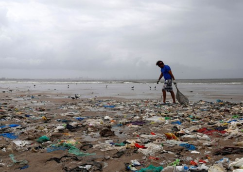Where is India in its target to phase out single use plastics?