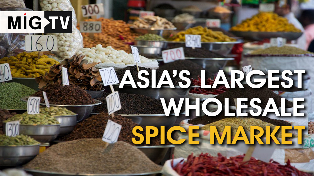 The popular wholesale spice market in Old Delhi