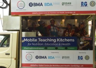 Mobile Teaching Kitchen: Nutrition on wheels