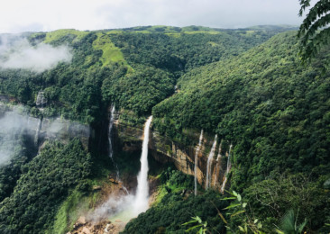 Five experiences every tourist must have in Meghalaya