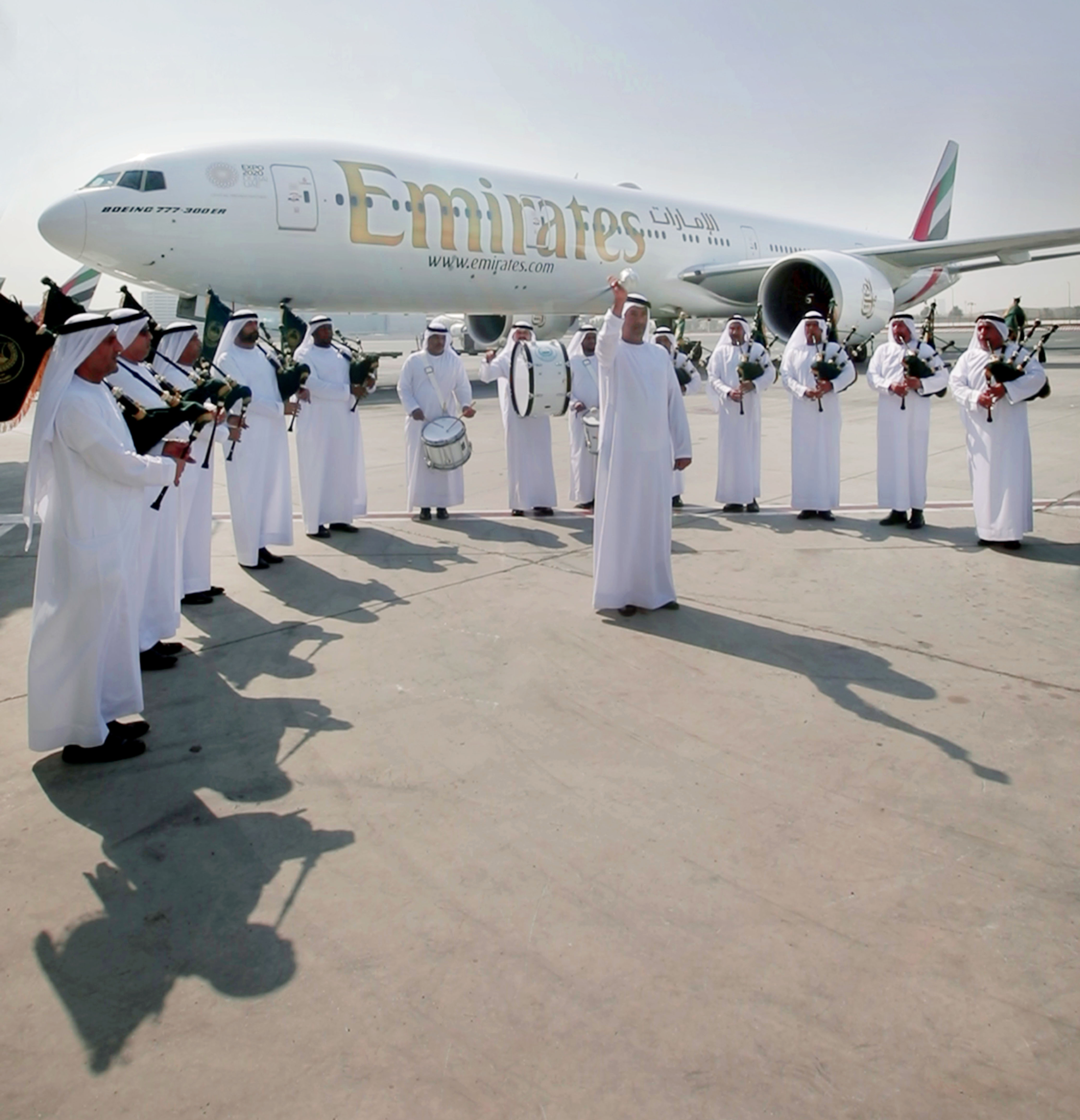 The Dubai Police Band gives Emirates flight EK23 a send-off with a Scottish flavour.