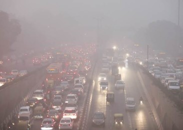 India struggles with air pollution