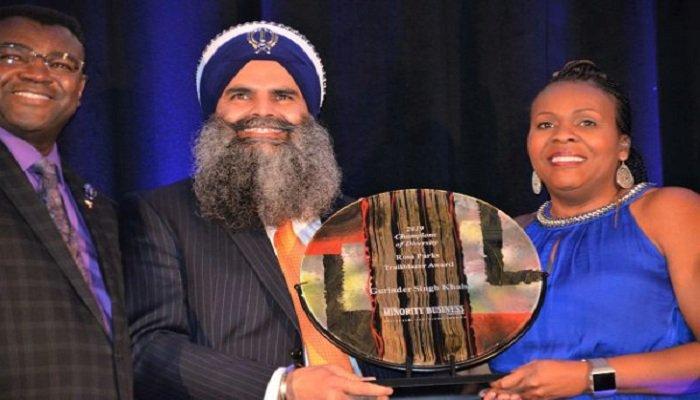 Gurinder Singh Khalsa receiving the Rosa Parks Trailblazer award