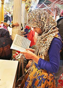 No se permiten mujeres en las mezquitas después de las oraciones del atardecer
