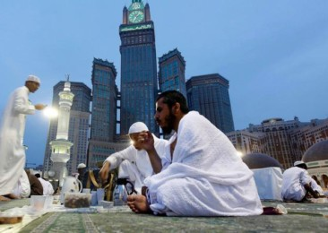 Saudi Arabia launches programme to boost tourism