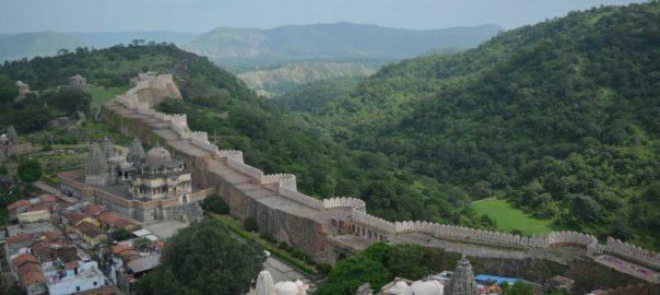La « Grande Muraille d'Inde » du fort de Kumbhalghar fait partie des plus grandes murailles du monde