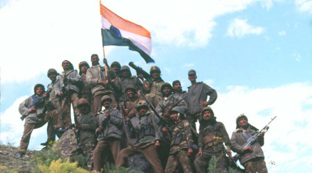 Soldiers of Kargil celebrating victory after War. *** Local Caption *** Soldiers of Kargil celebrating victory after War. Agency photo