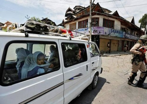 Kashmir: Indian MPs barred, red carpet for European lawmakers