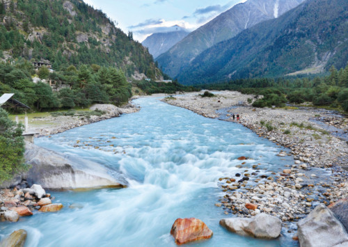 Spiti valley: adventure alongside snow-crowned mountains