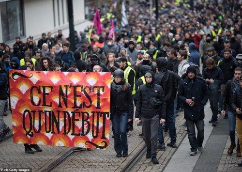 French strikes: make or break for Macron