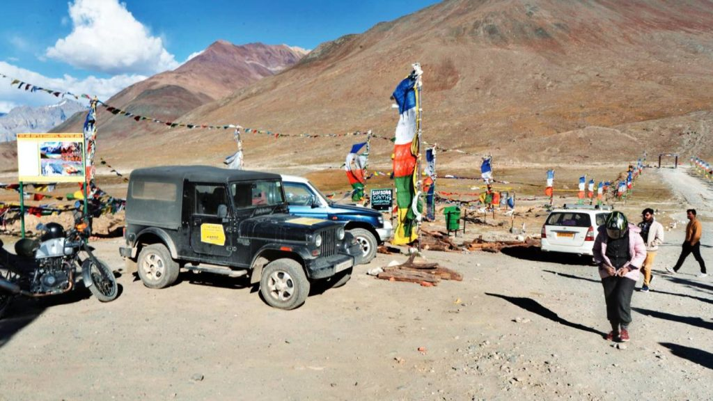 Roads leading to Kunzum Mata temple