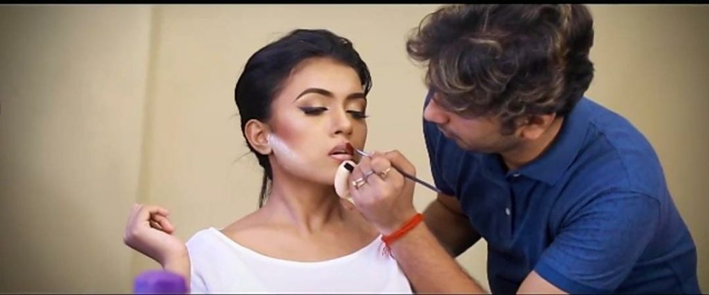 makeup artist in covid-19