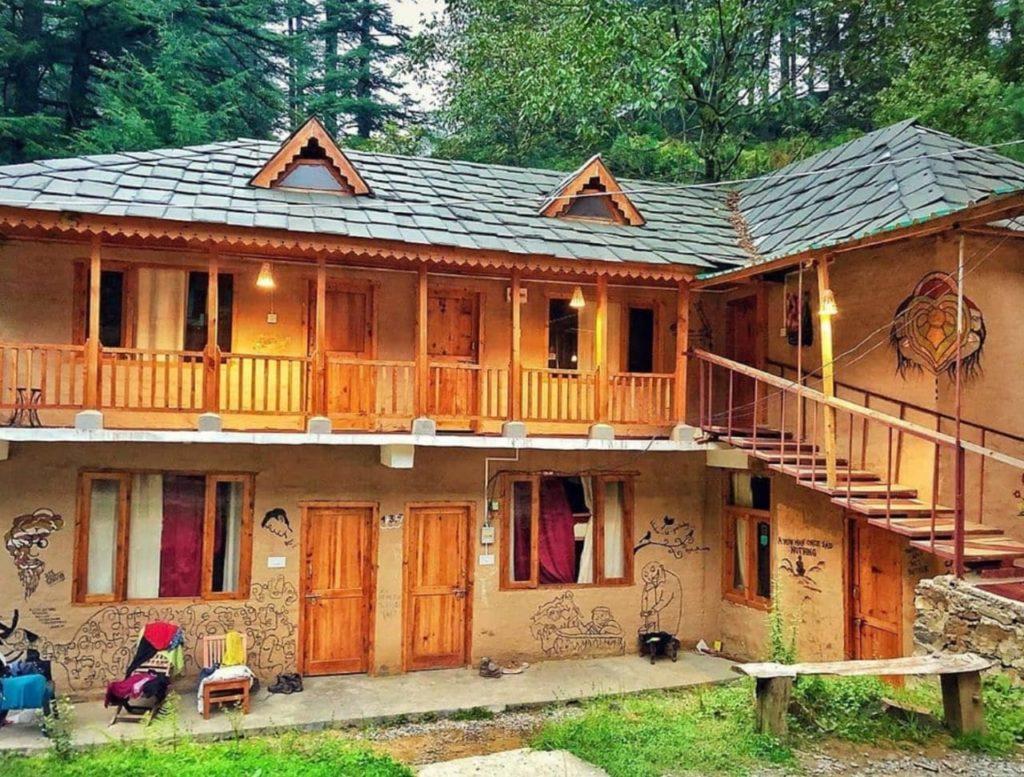 Mudhouse Hostels in Himachal Pradesh