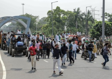 Farmers across India on streets in Bharat Bandh against Farm Bills