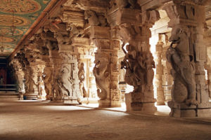 hampi temple pillar