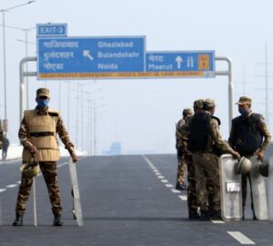 delhi police at singhu border