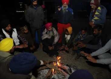 A silent yet spirited night at Singhu border