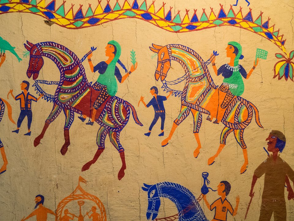 Pithora art: Depicting different hues of tribal life - Media India Group