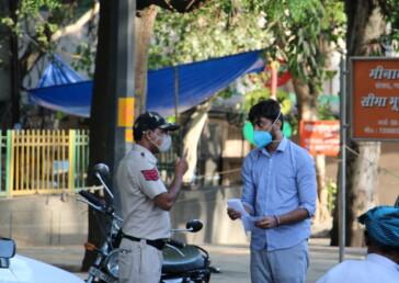 What weekend curfew in Delhi looked like