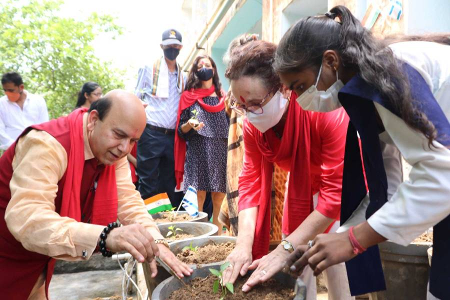 Israeli embassy partners with Aarohan to take drip irrigation to schools